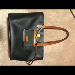 Dooney & Bourke Bags - Dooney & Bourke Large Zip Shopper